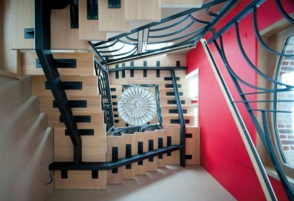 L'escalier en acier : un matériau noble aux différents avantages