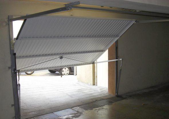 Tout ce qu'il faut pour réussir à installer une porte de garage